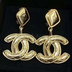 Chanel vintage earrings gold color